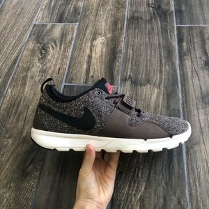 Nike SB Trainerendor Sneaker 12 Brown 616575-206
